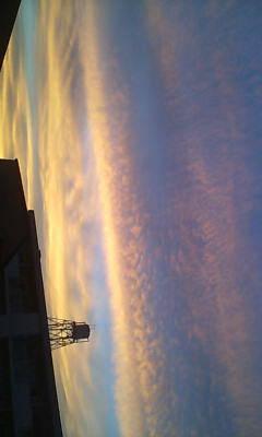 夕方、新宿の空が……